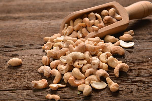 Geröstete Cashews zeichnen sich durch ihr schmackhaft nussiges Aroma aus